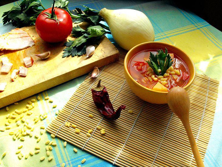 Węgierska zupa paprykowa