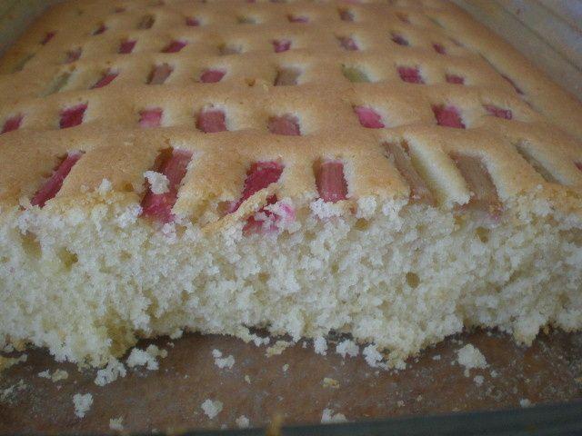 Dziecinnie proste ciasto z rabarbarem