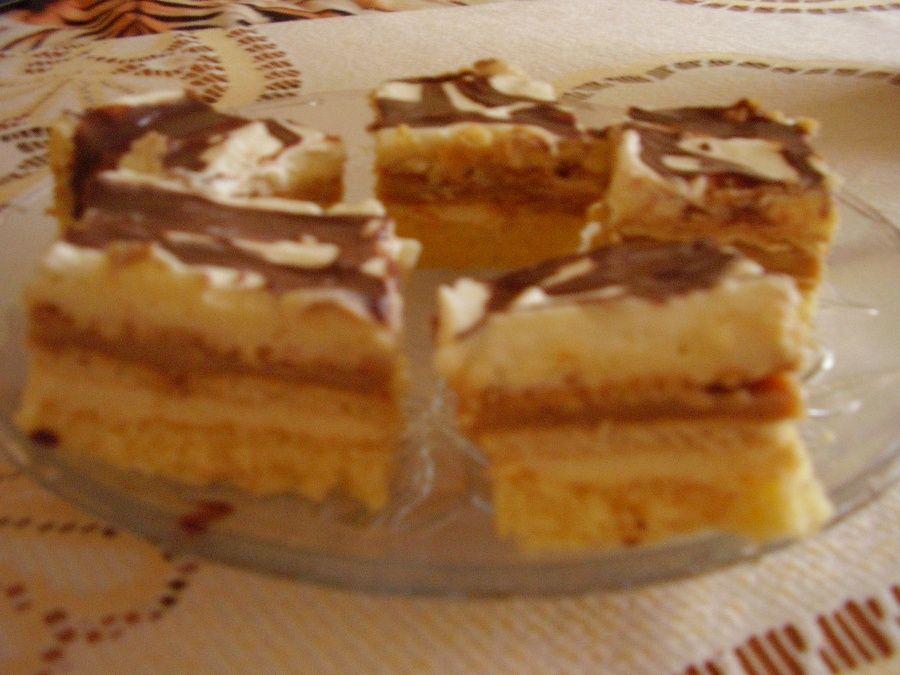 Ciasto z karmelem i herbatnikami