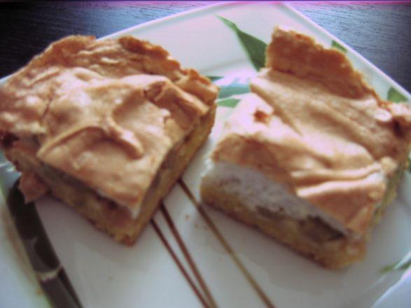 Ciasto kruche z rabarbarem