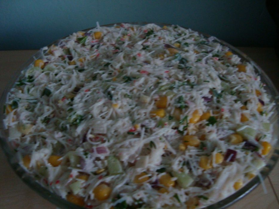 Salatka Krabowa Z Makaronem Ryzowym Przepis Na Salatka Krabowa Z