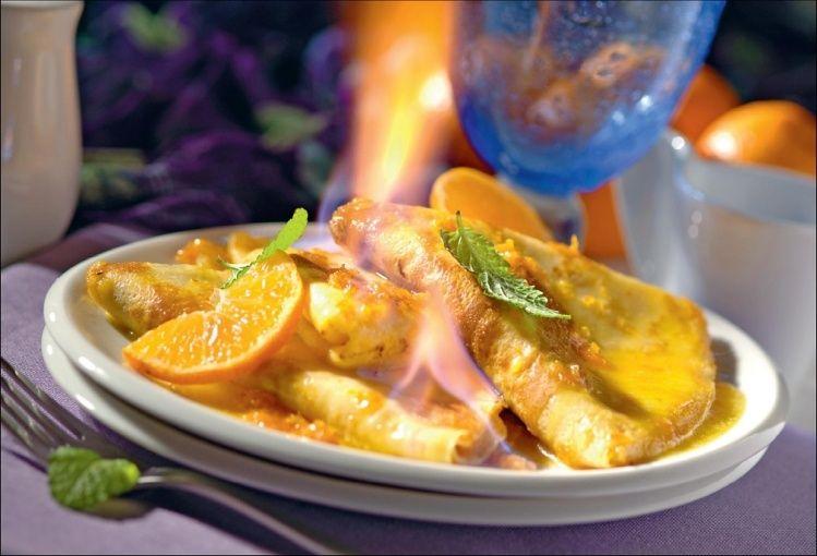 Naleśniki płonące z pomarańczami