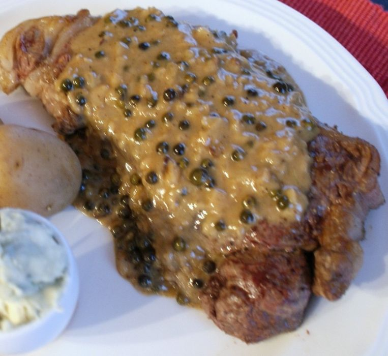 Stek W Sosie Z Zielonego Pieprzu