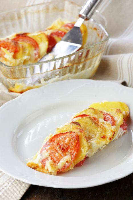 Zapiekanka z pomidorami i mozzarellą