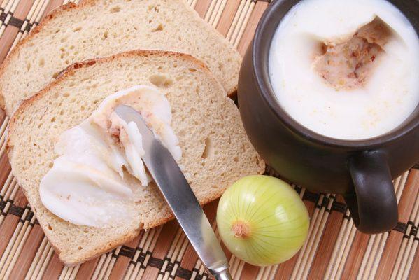 Smalec z cebulą i jabłkiem