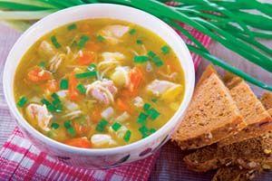 Zupa na golonce z makaronem