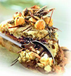 Tort bezowy czekoladowo-orzechowy