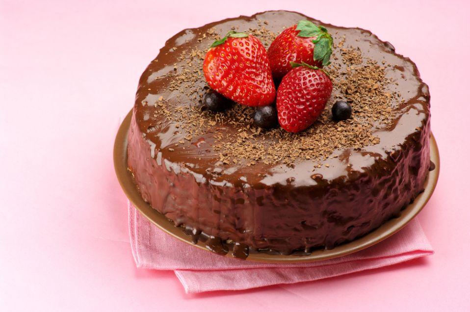 Tort czekoladowo-śmietanowy