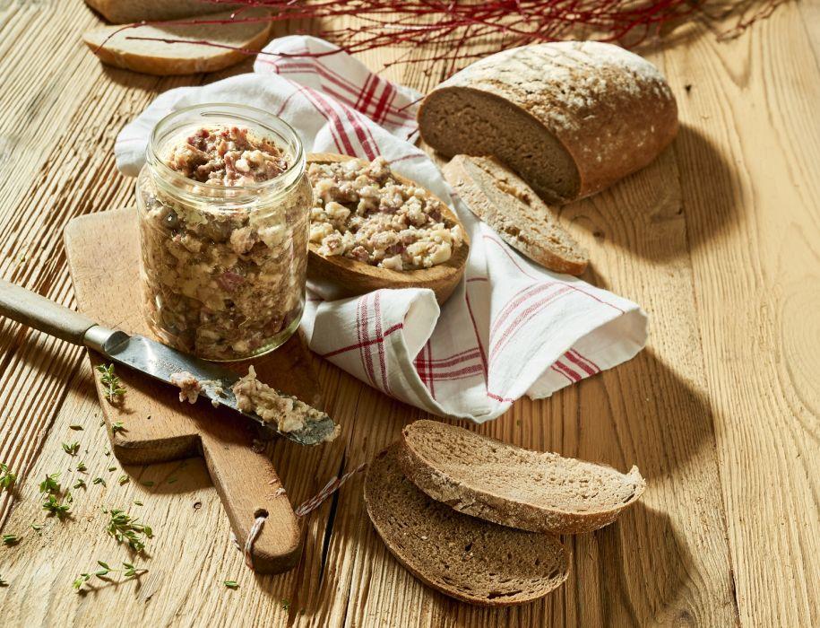 Francuski smalczyk (rillettes)