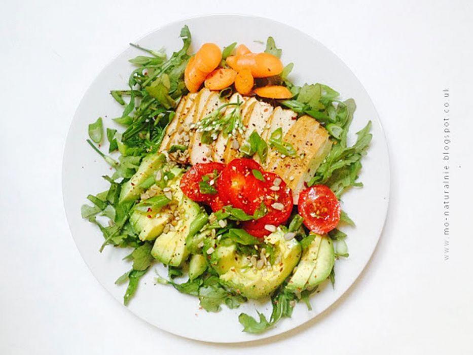 Salatka Z Wedzonym Tofu Przepis Na Salatka Z Wedzonym Tofu