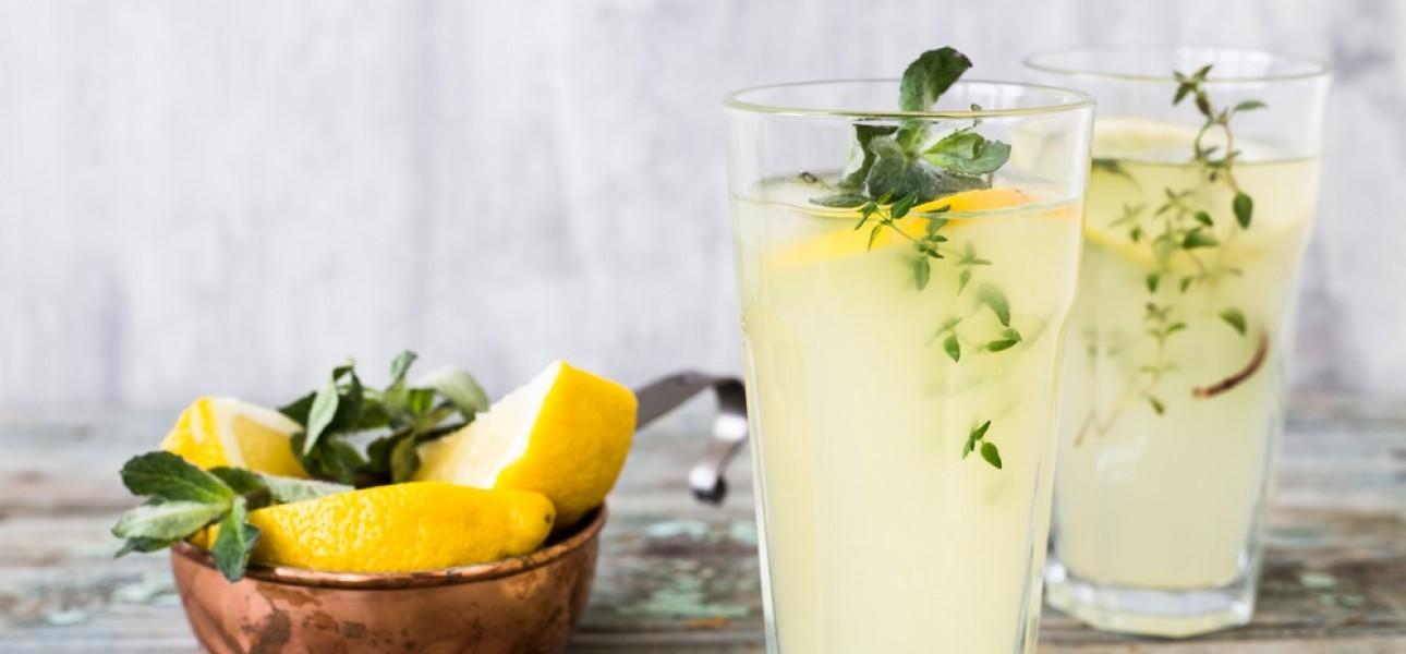 Lemoniada na kilka sposobów. Chłodzi najlepiej!