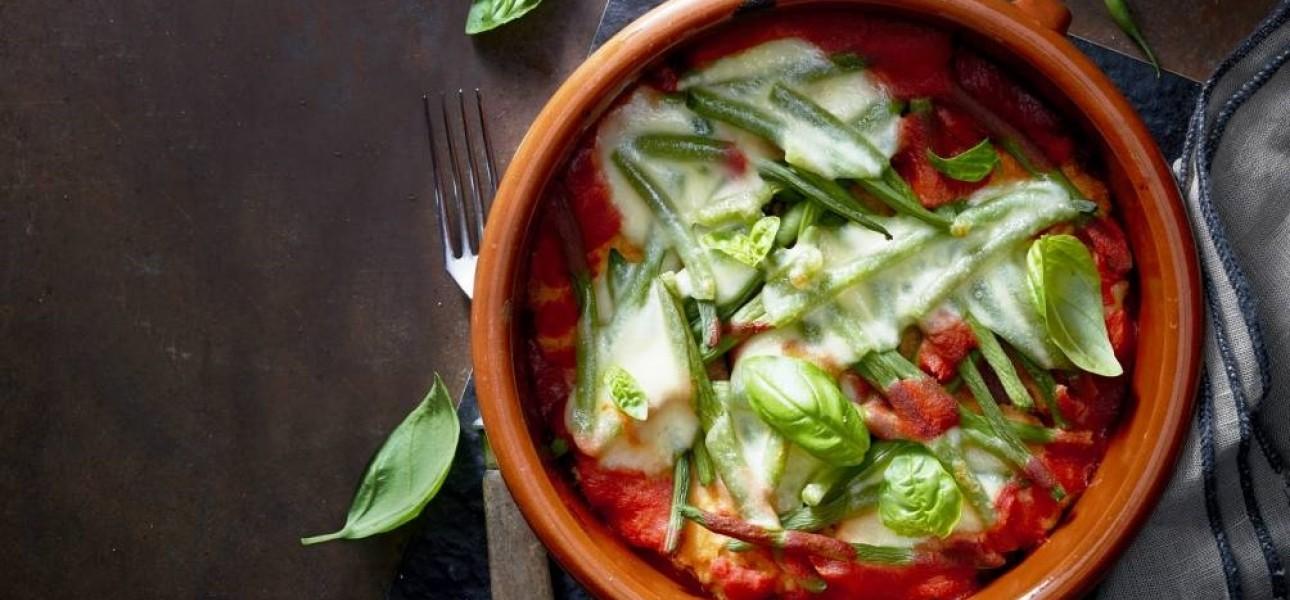 Cielęcina parmigiana zapiekana z mozzarellą i fasolką